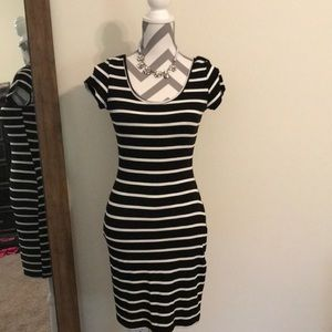 Leshop Black Stripe Dress size Small
